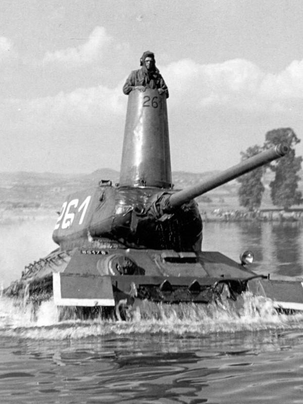 8 bi mat bat ngo lam nen thanh cong cua xe tang T-34 huyen thoai-Hinh-12