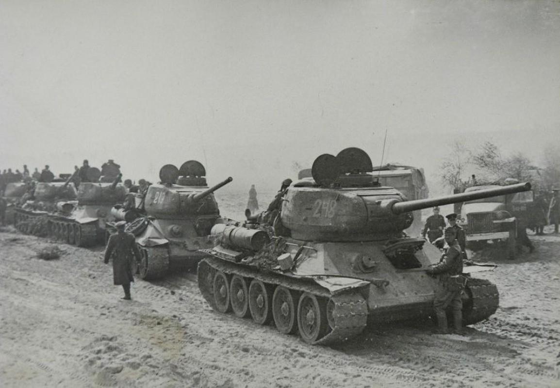 8 bi mat bat ngo lam nen thanh cong cua xe tang T-34 huyen thoai-Hinh-9