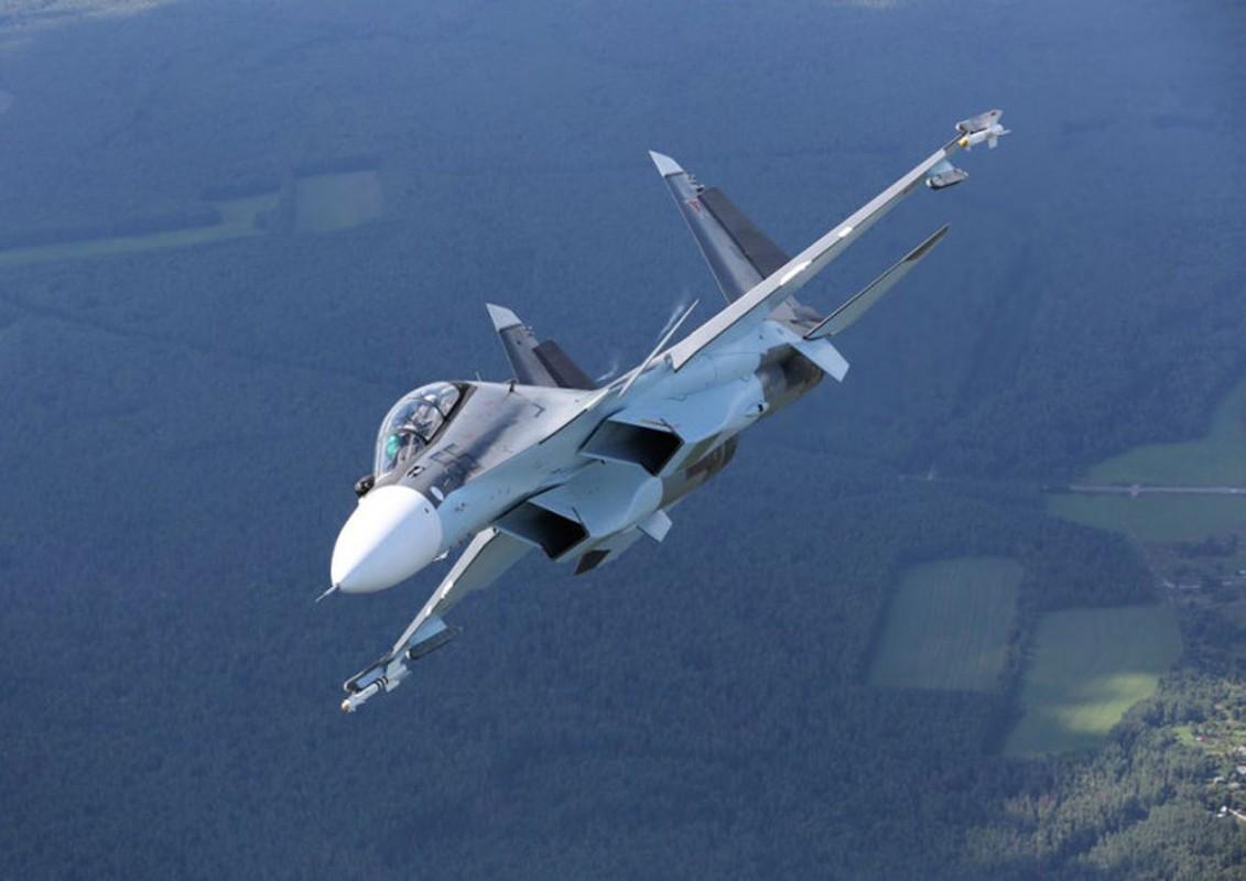 Khi F/A-18E/F Super Hornet cua My dau voi Su-30 cua Nga-Hinh-12