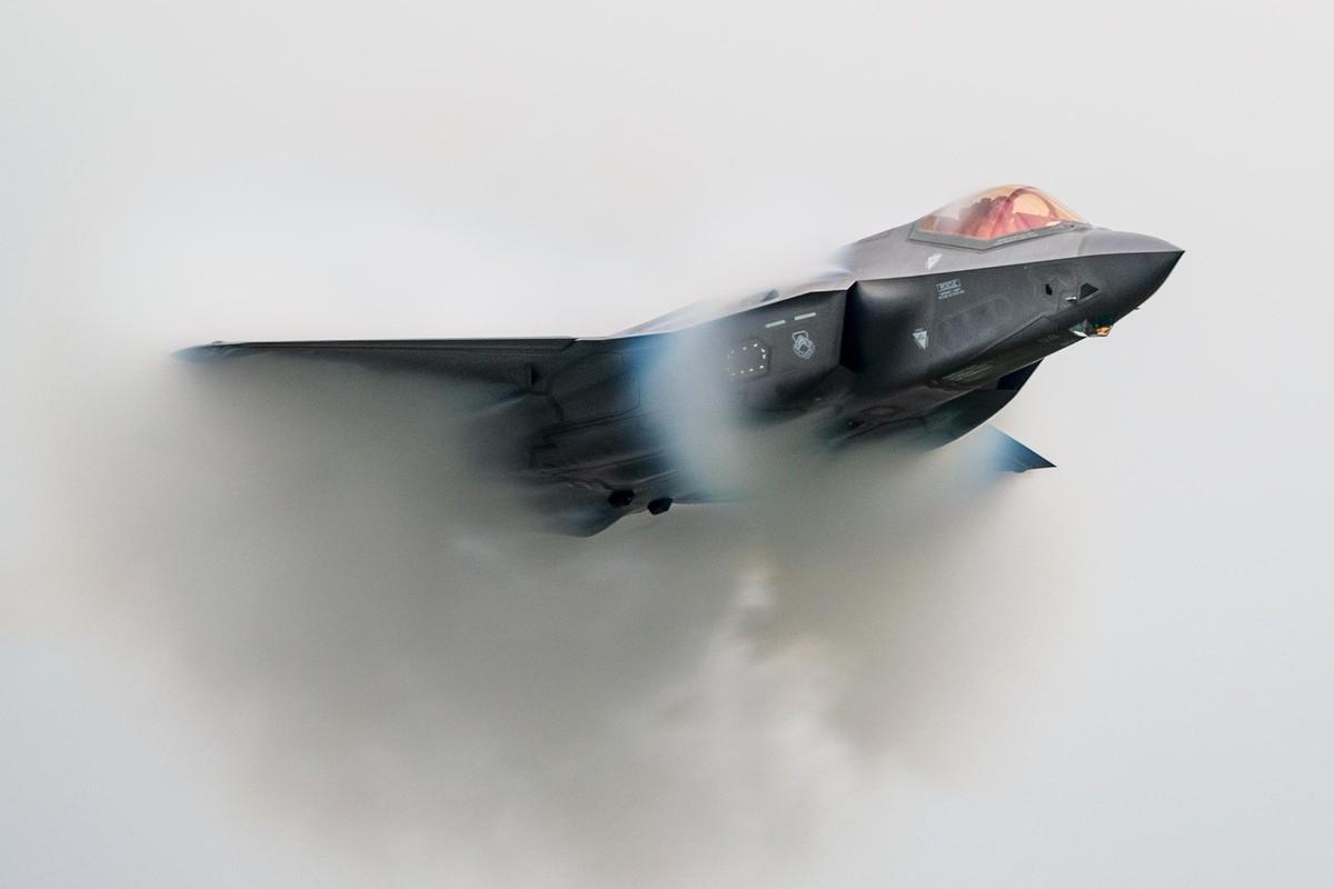 Dieu gi xay ra khi F-35 My va J-10 Trung Quoc xong vao hon chien?-Hinh-7
