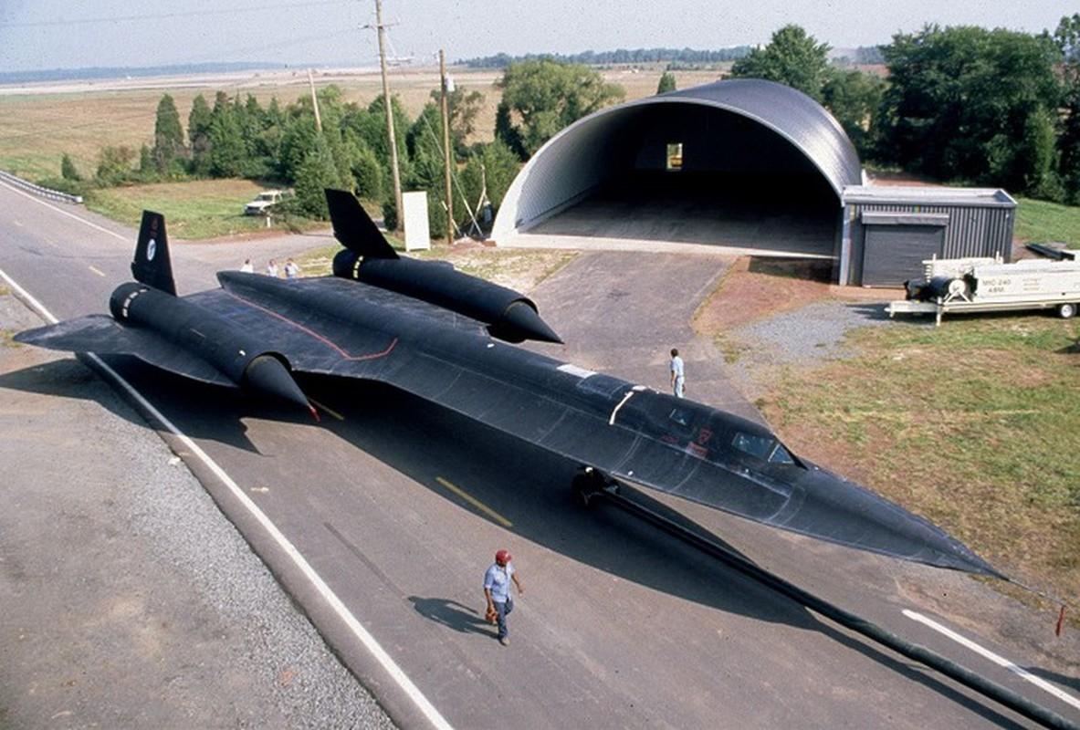 Lien Xo no luc ra sao de ban ha may bay SR-71 cua My-Hinh-18