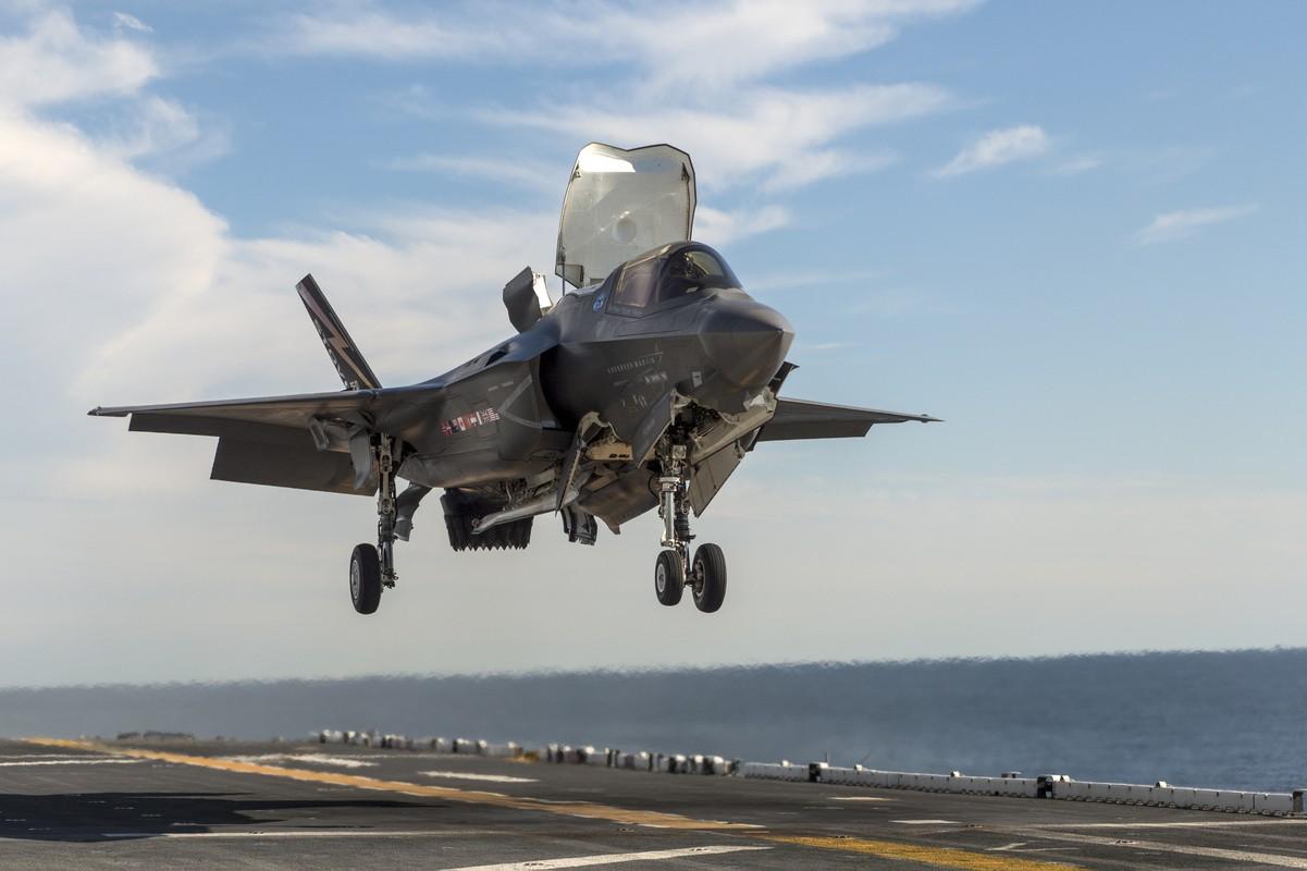 Rut cuc tiem kich F-35B co xung voi cai gia cao chot vot?