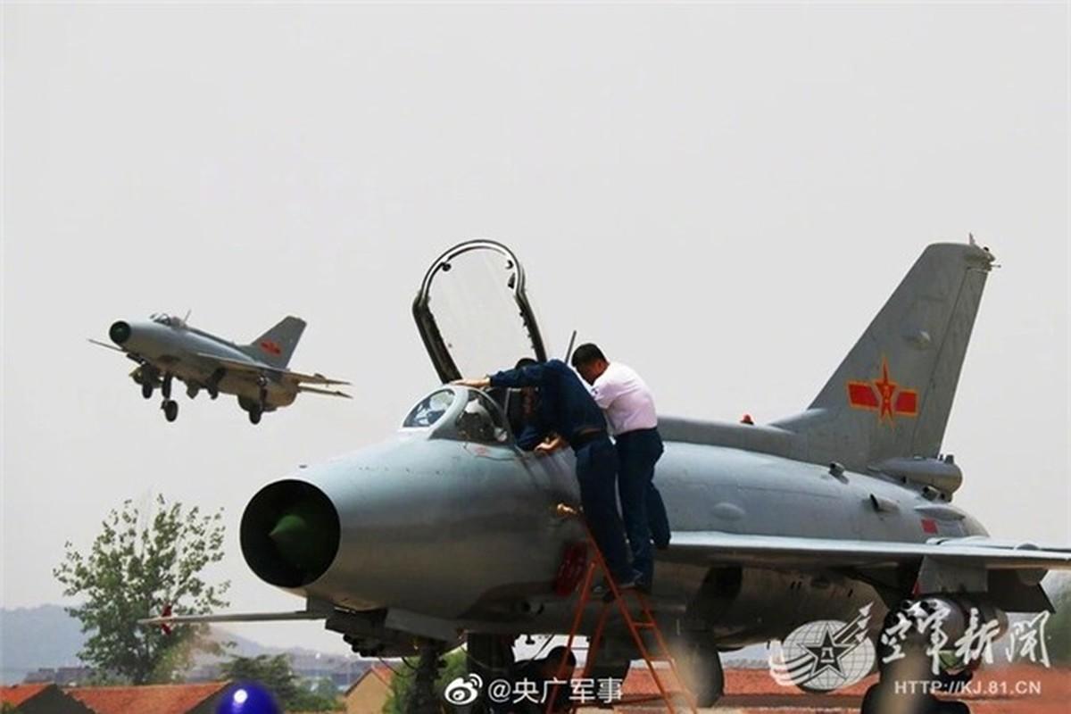 Sau hon nua the ky, Trung Quoc van miet mai che tao MiG-21-Hinh-5
