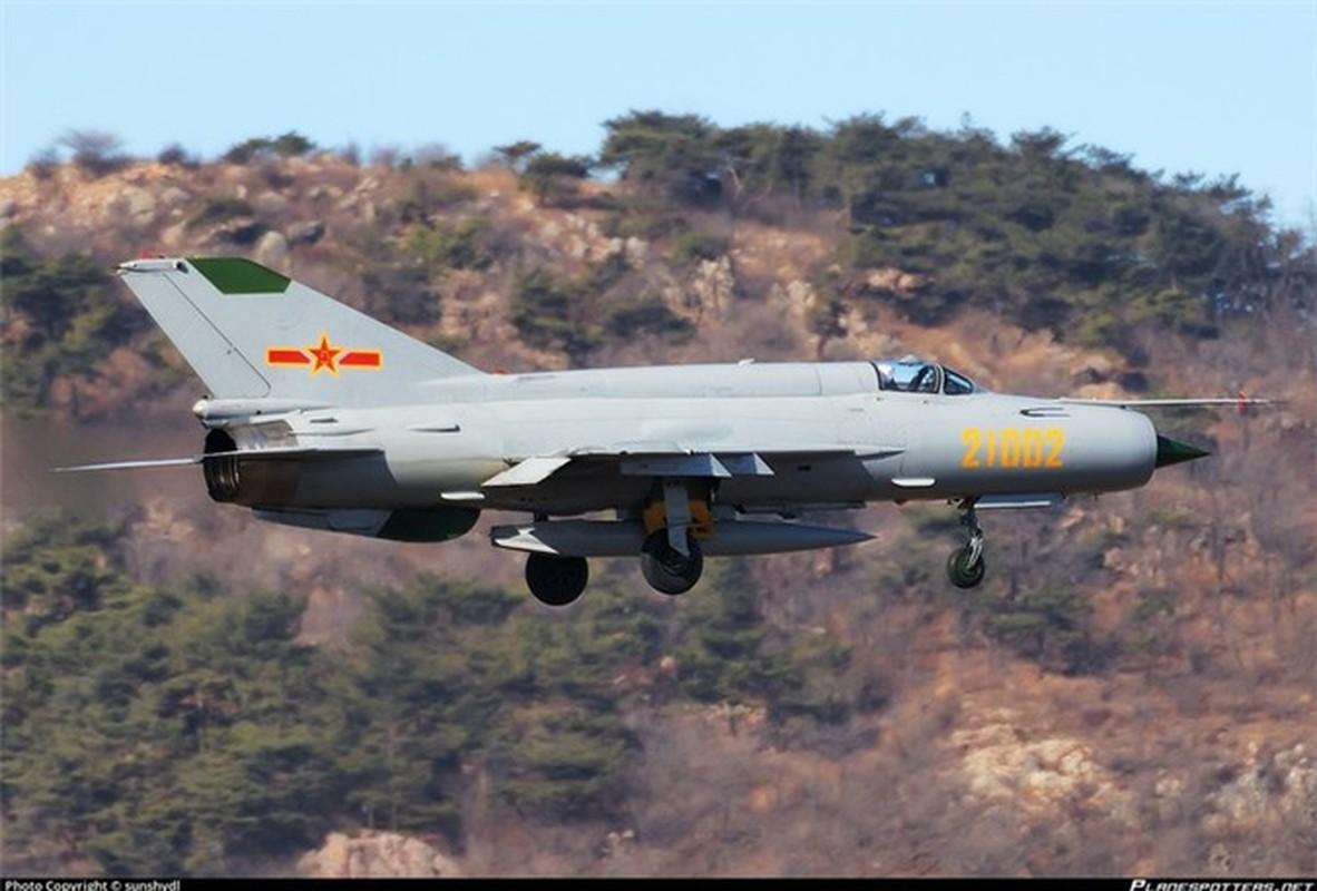 Sau hon nua the ky, Trung Quoc van miet mai che tao MiG-21