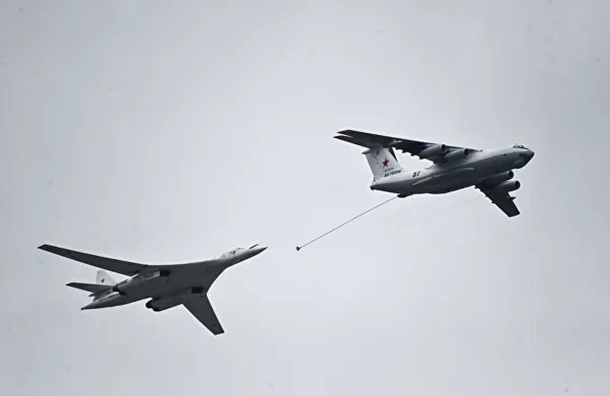 Bat chap COVID-19, Nga van tien hanh duyet binh cuc ky hoanh trang-Hinh-17