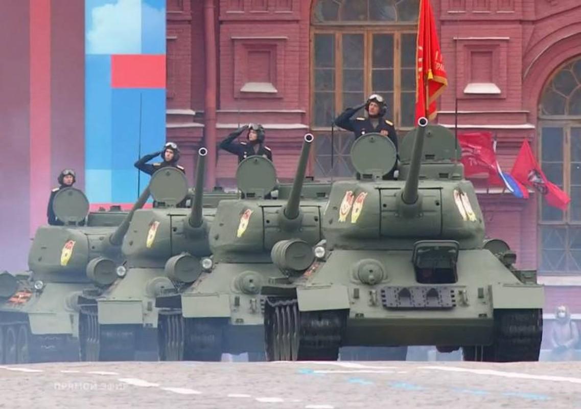 Bat chap COVID-19, Nga van tien hanh duyet binh cuc ky hoanh trang-Hinh-5