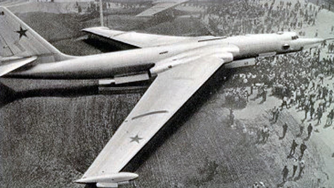 May bay nem bom M-4 Lien Xo tung khien My khiep so ra sao?-Hinh-11