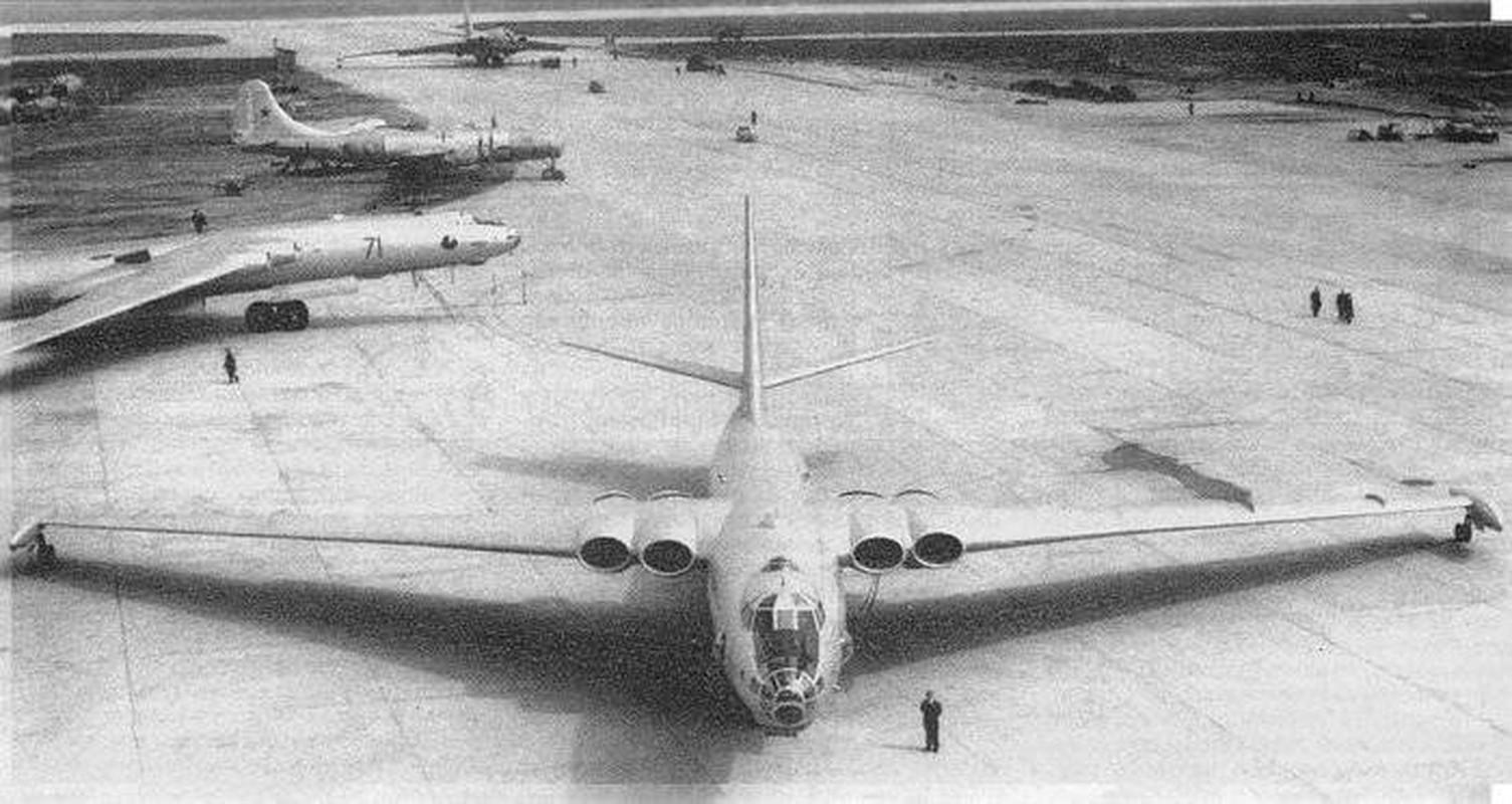 May bay nem bom M-4 Lien Xo tung khien My khiep so ra sao?-Hinh-13
