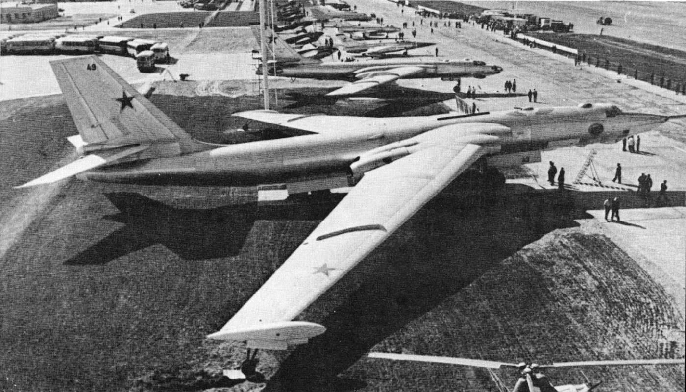 May bay nem bom M-4 Lien Xo tung khien My khiep so ra sao?-Hinh-2