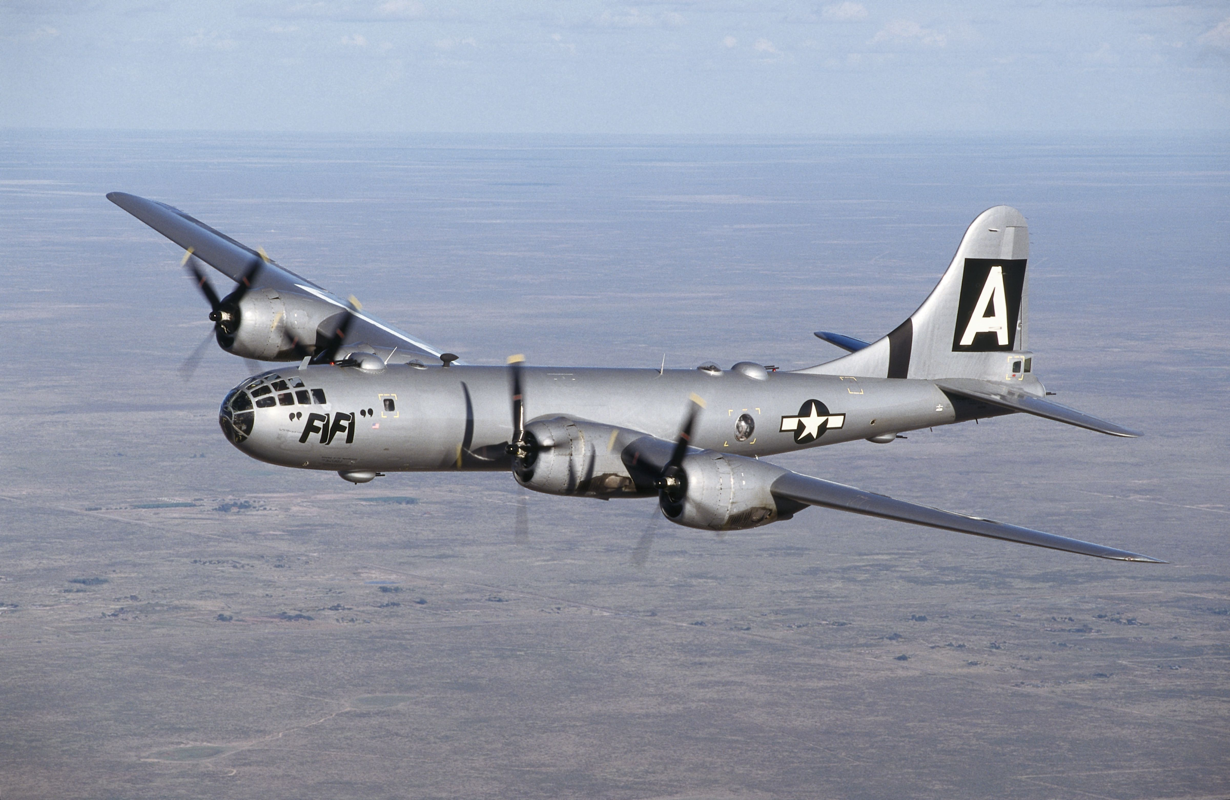 May bay nem bom M-4 Lien Xo tung khien My khiep so ra sao?-Hinh-3