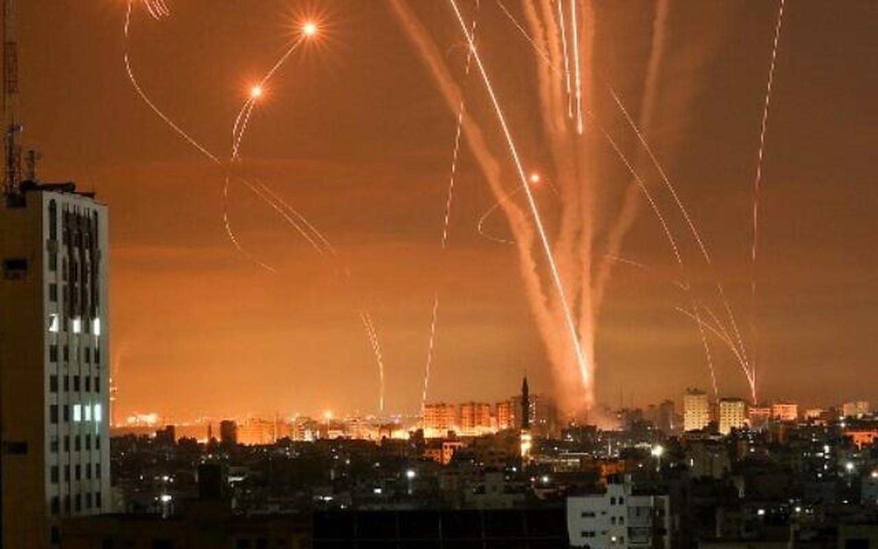 Dem ruc sang bau troi Israel giua Vom Sat va ten lua cua Hamas-Hinh-8