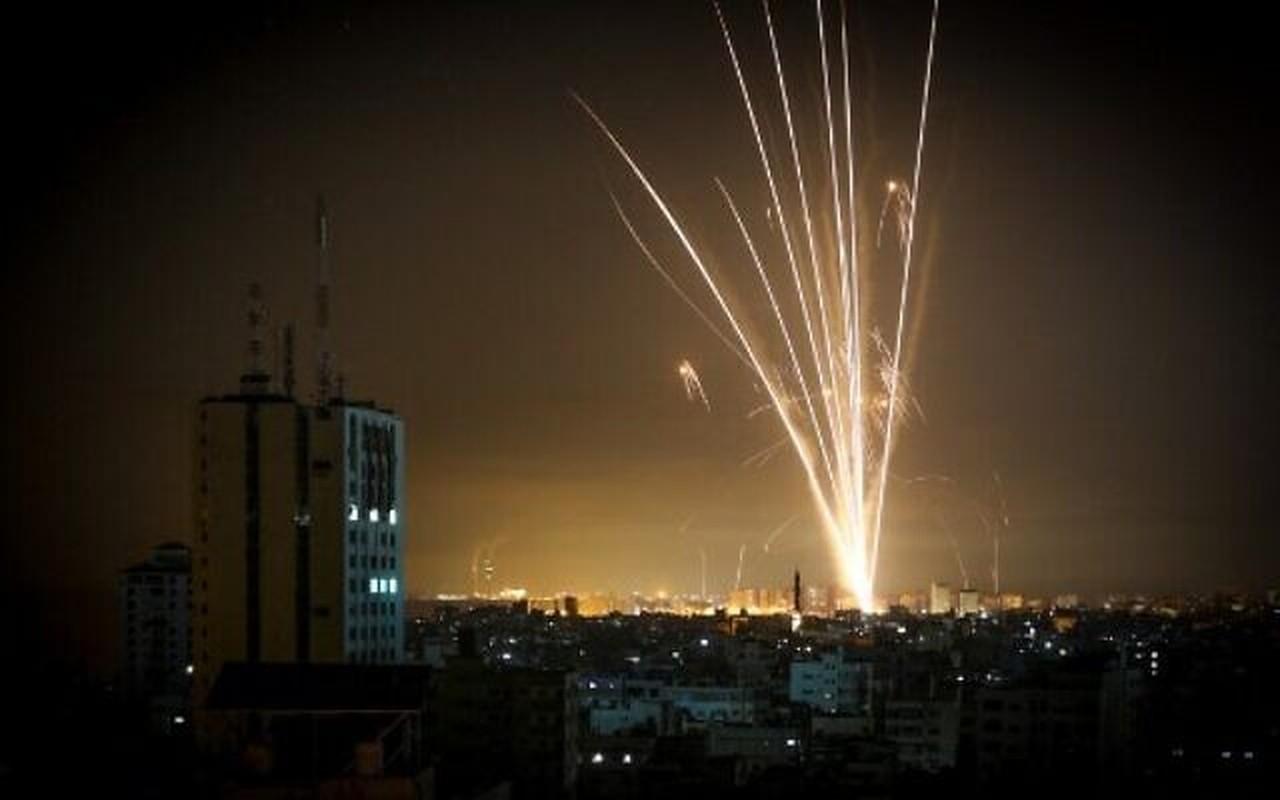 Dem ruc sang bau troi Israel giua Vom Sat va ten lua cua Hamas-Hinh-9