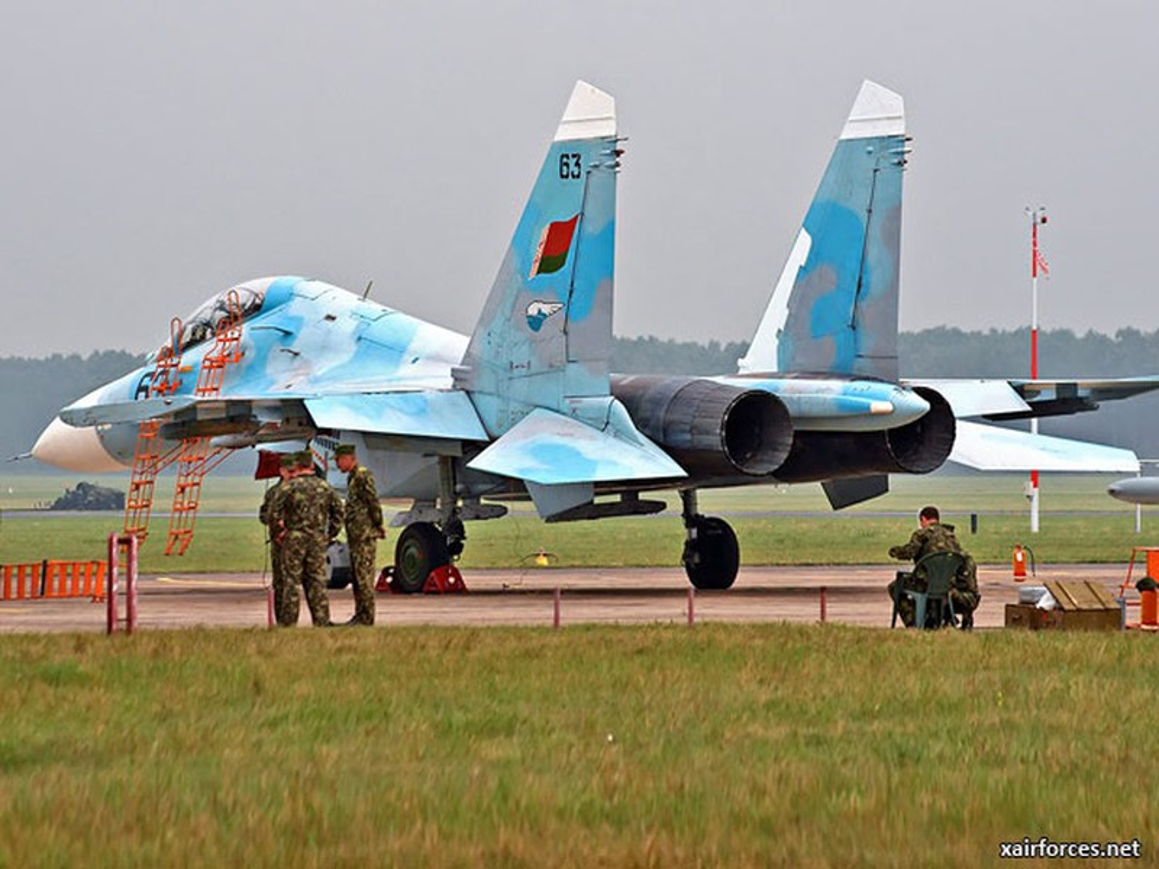 Suc manh Belarus: Dan vu khi du suc dim My, NATO vao bien lua (2)-Hinh-8