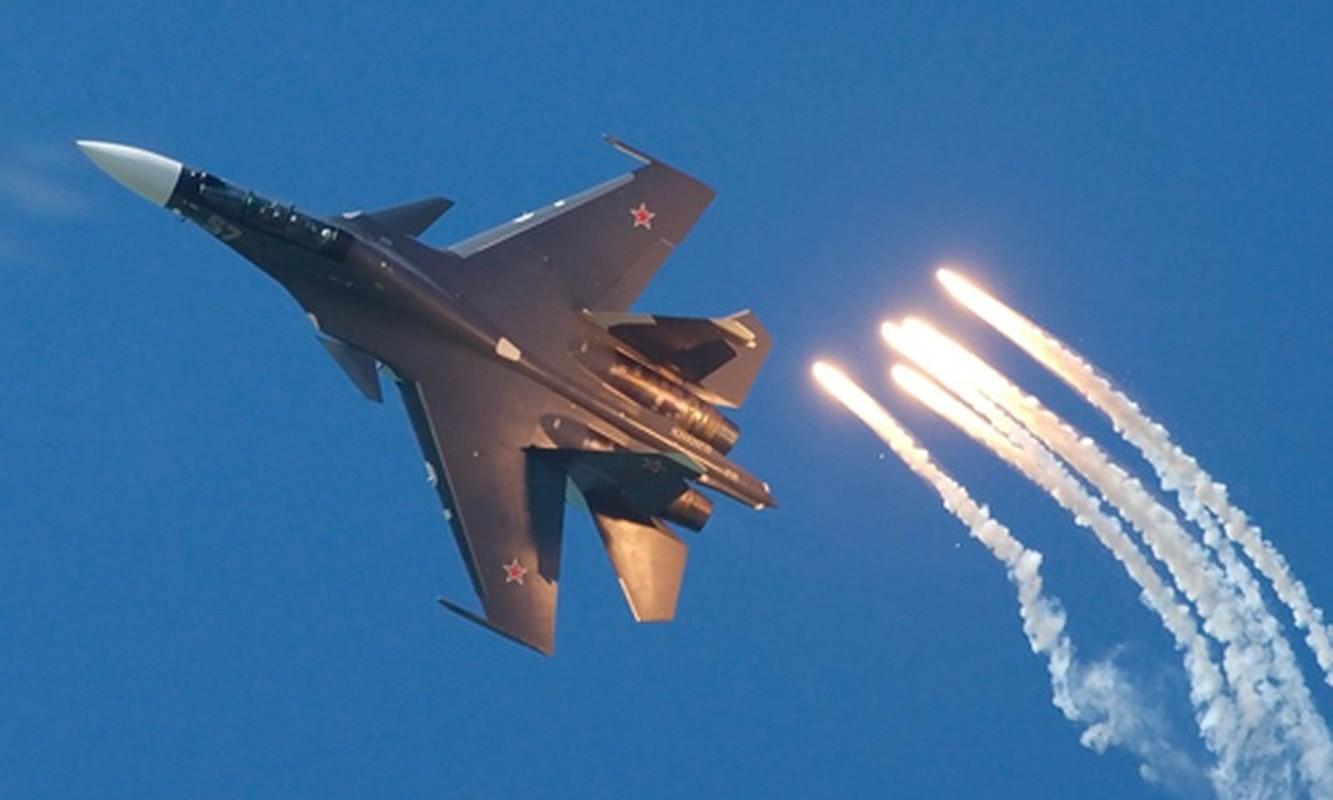 Lan dau can chien may bay Nga, F-35 to ra thua kem Su-30-Hinh-16