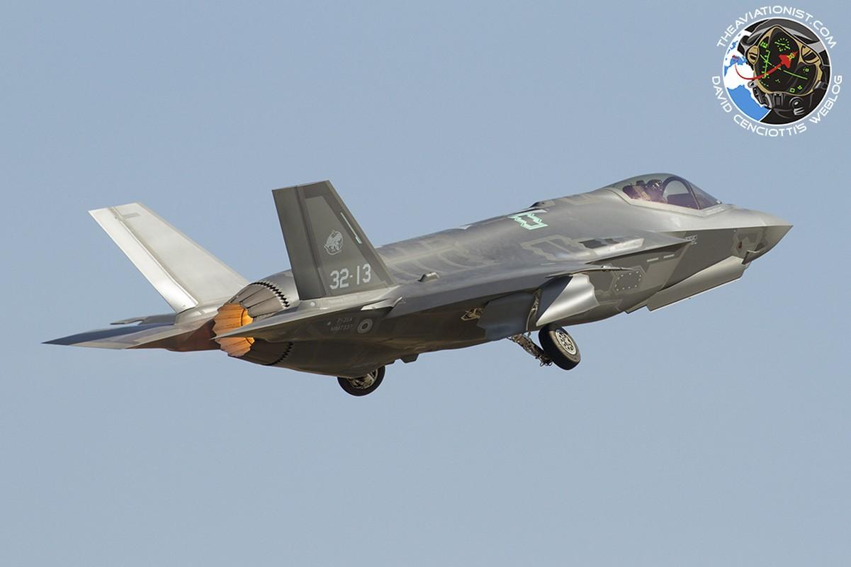 Lan dau can chien may bay Nga, F-35 to ra thua kem Su-30-Hinh-5