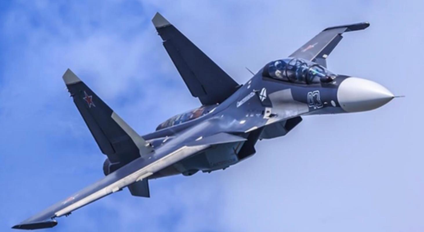 Lan dau can chien may bay Nga, F-35 to ra thua kem Su-30-Hinh-8
