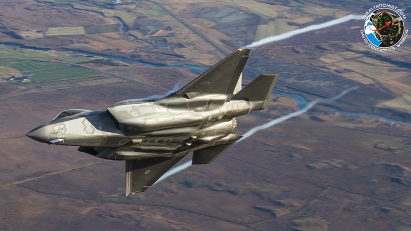 Lan dau can chien may bay Nga, F-35 to ra thua kem Su-30-Hinh-9