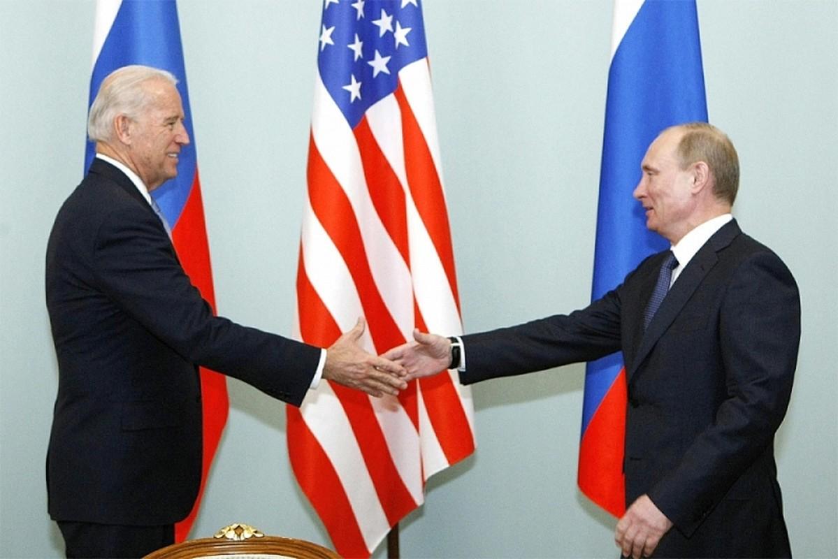 """Truoc them cuoc gap thuong dinh Putin - Biden, Nga tap tran voi """"hang nong"""""""