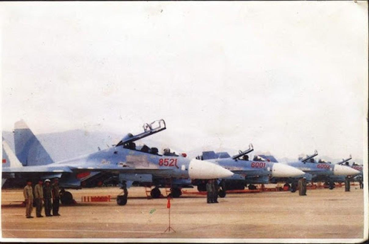 Vu tai nan dat do khien Nga phai boi thuong hai chiec Su-27PU-Hinh-2