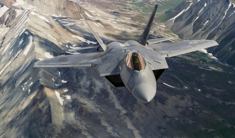 Cach Nga dung may bay doi cu hanh ha F-22 Raptor dat do My-Hinh-2