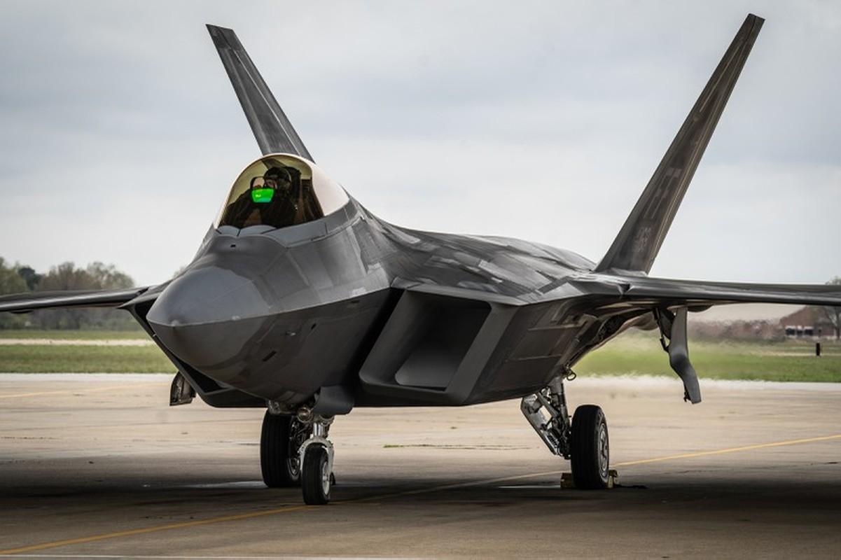 Cach Nga dung may bay doi cu hanh ha F-22 Raptor dat do My-Hinh-3