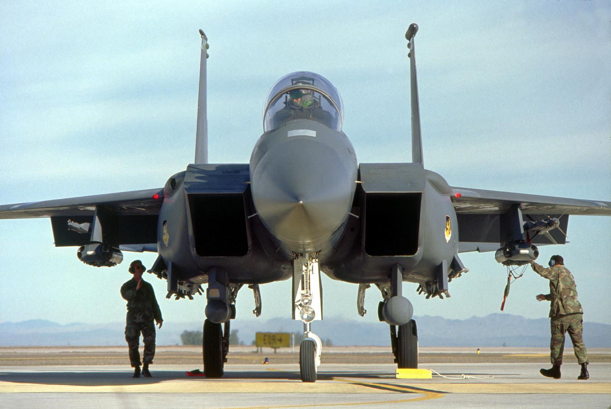 Ai Cap quyet so huu Rafale, lieu F-15C cua Israel co lep ve?-Hinh-10