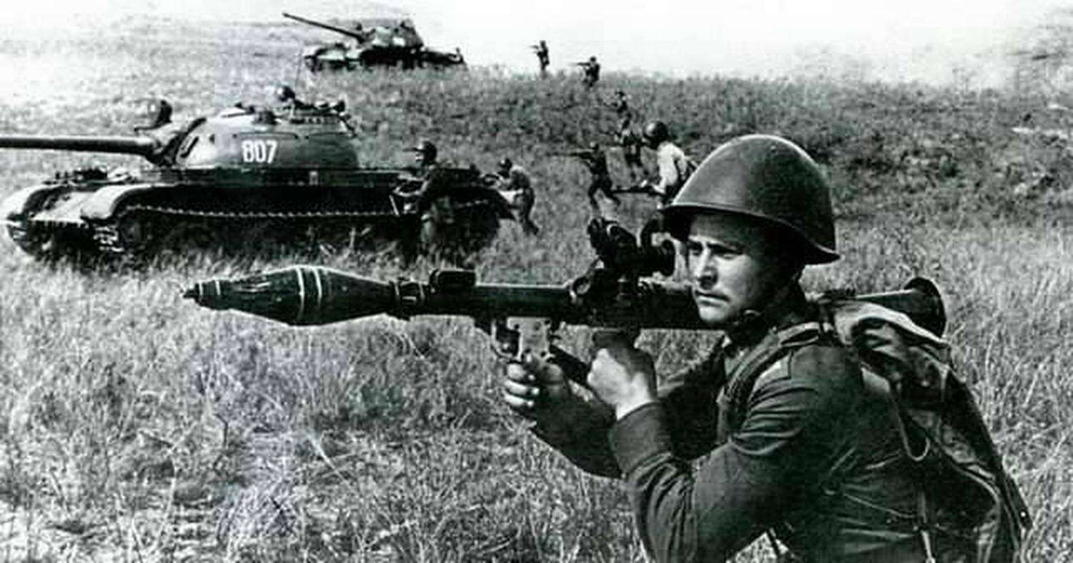 RPG-7 du da 60 tuoi van la noi khiep dam voi moi loai xe tang-Hinh-2