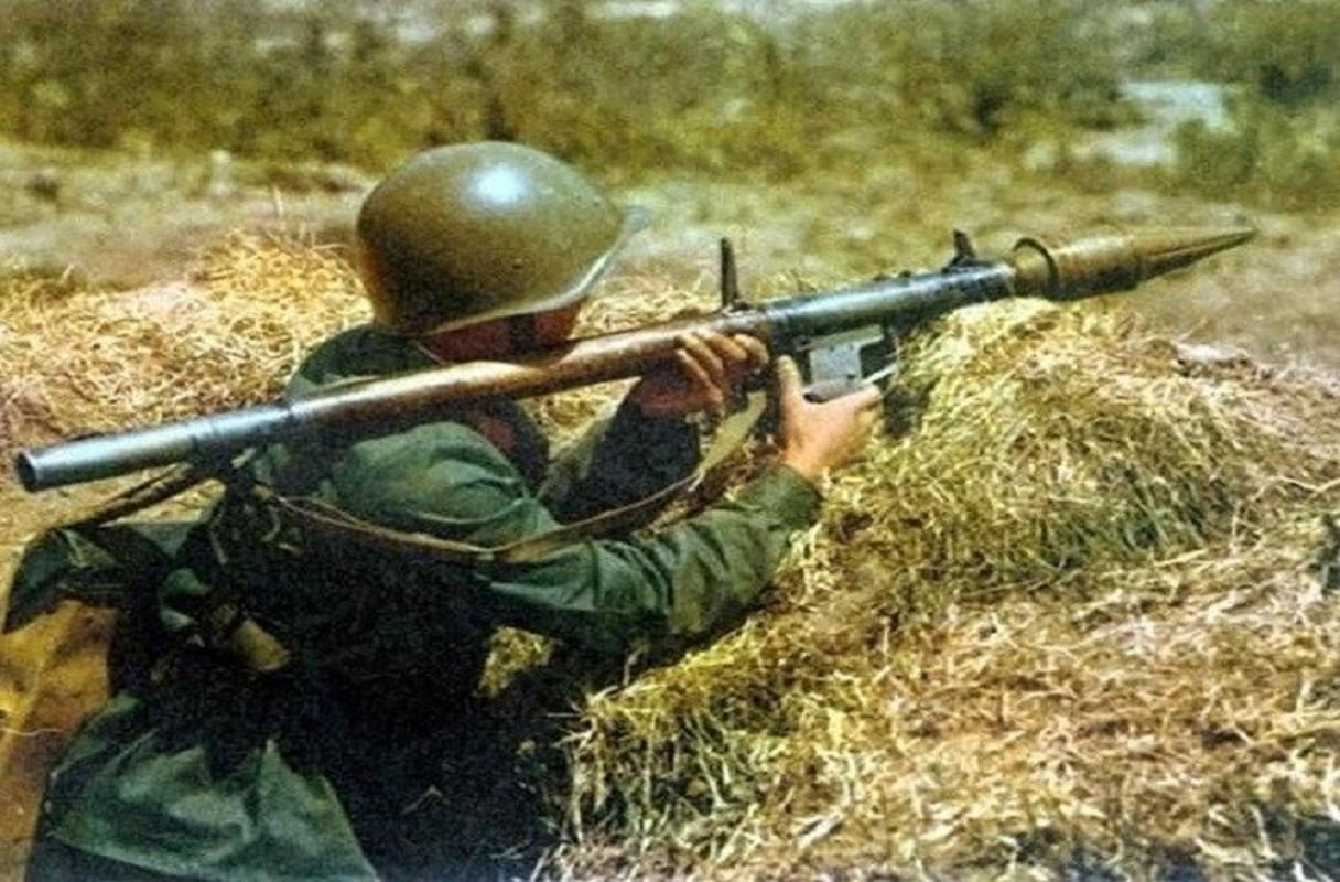 RPG-7 du da 60 tuoi van la noi khiep dam voi moi loai xe tang-Hinh-4
