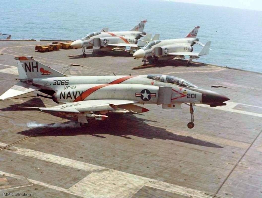 Cach tiem kich F-14 tu do bo di bien thanh sieu chien dau co-Hinh-10