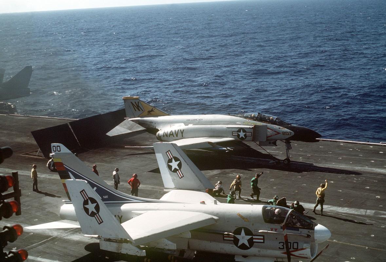Cach tiem kich F-14 tu do bo di bien thanh sieu chien dau co-Hinh-12