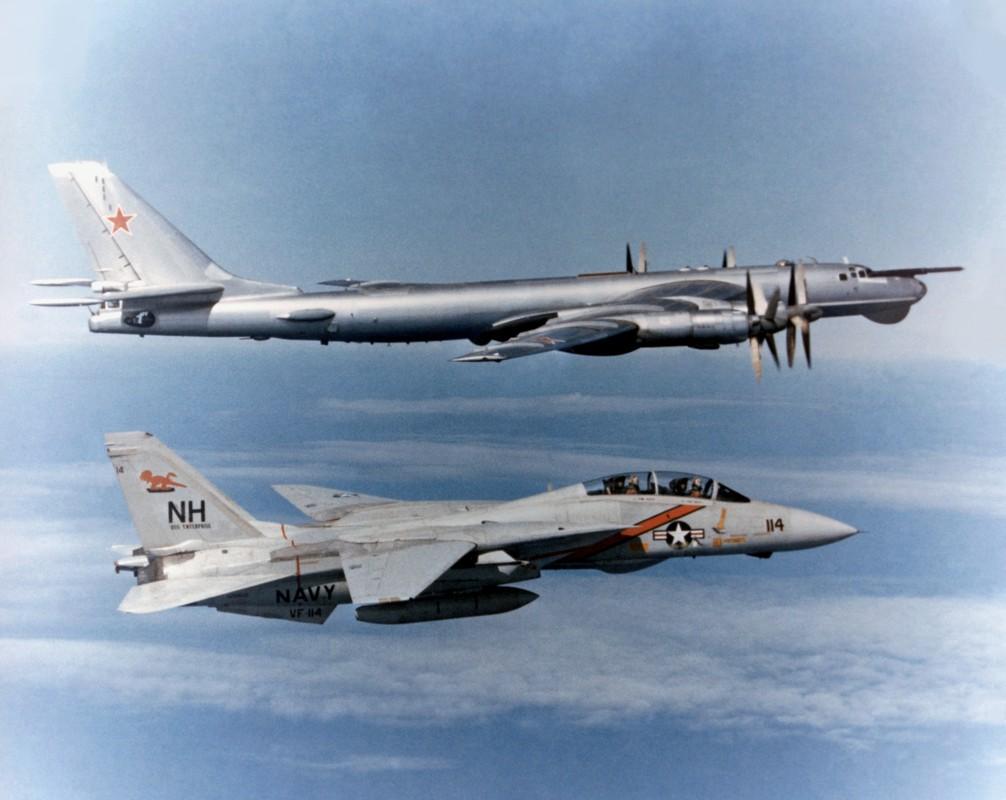 Cach tiem kich F-14 tu do bo di bien thanh sieu chien dau co-Hinh-19