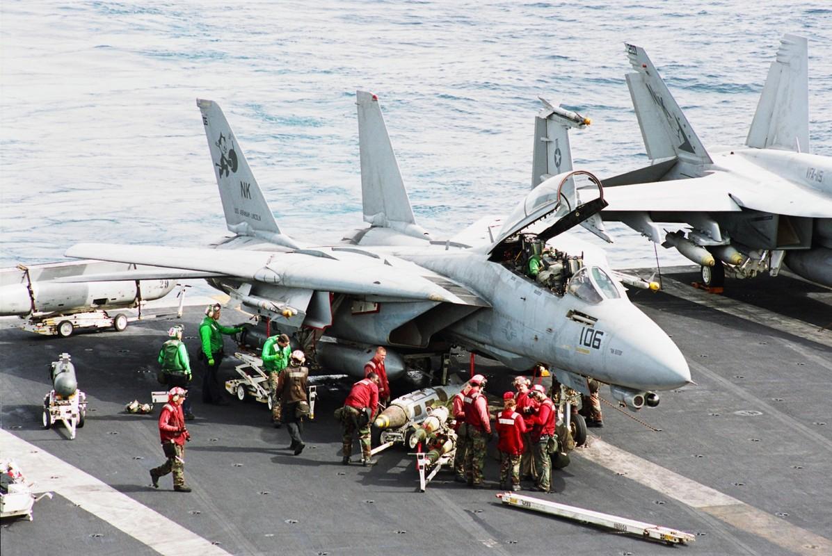 Cach tiem kich F-14 tu do bo di bien thanh sieu chien dau co-Hinh-9