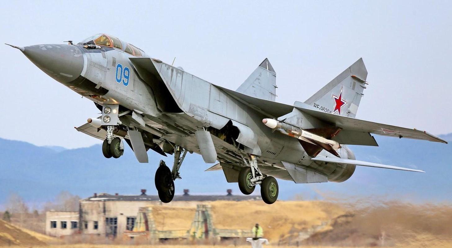 NATO - Ukraina nen nho, Nga van con sieu tiem kich MiG-31 trong bien che-Hinh-7