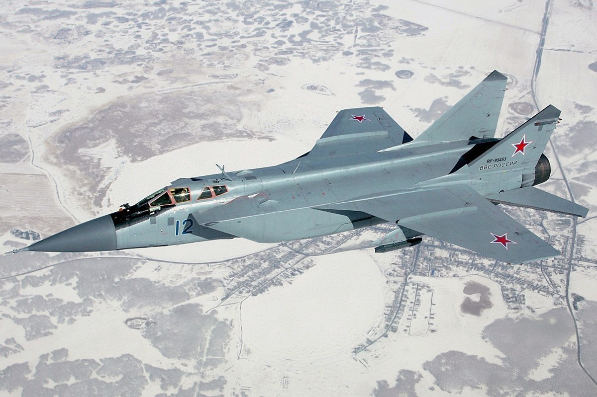NATO - Ukraina nen nho, Nga van con sieu tiem kich MiG-31 trong bien che