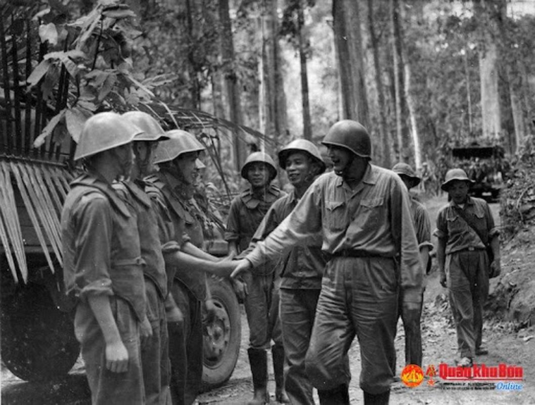 Vi Tu lenh giup Duong Truong Son lot xac va tro thanh huyen thoai-Hinh-3