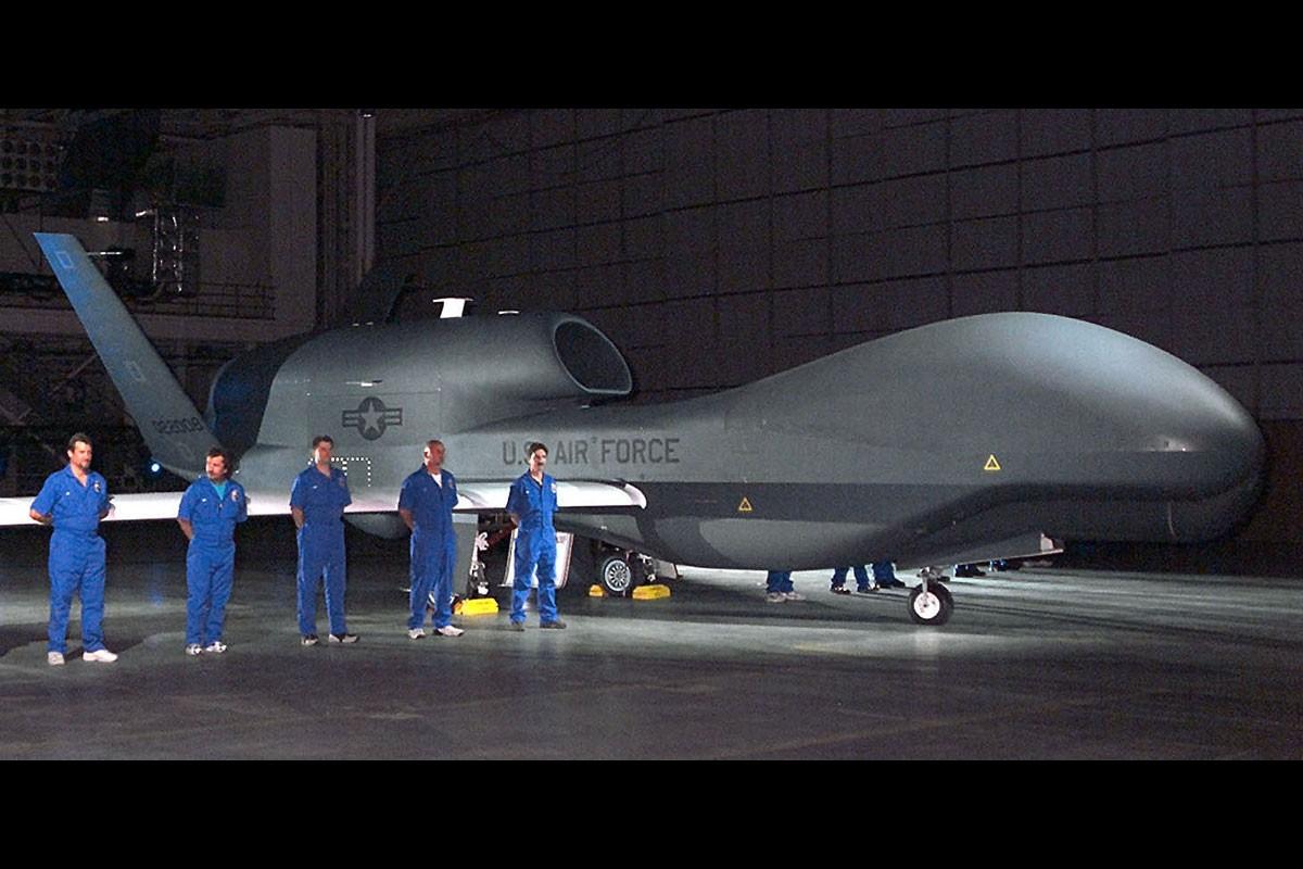 Qua lo so Trung Quoc, My loai bien som 20 UAV Global Hawk-Hinh-11