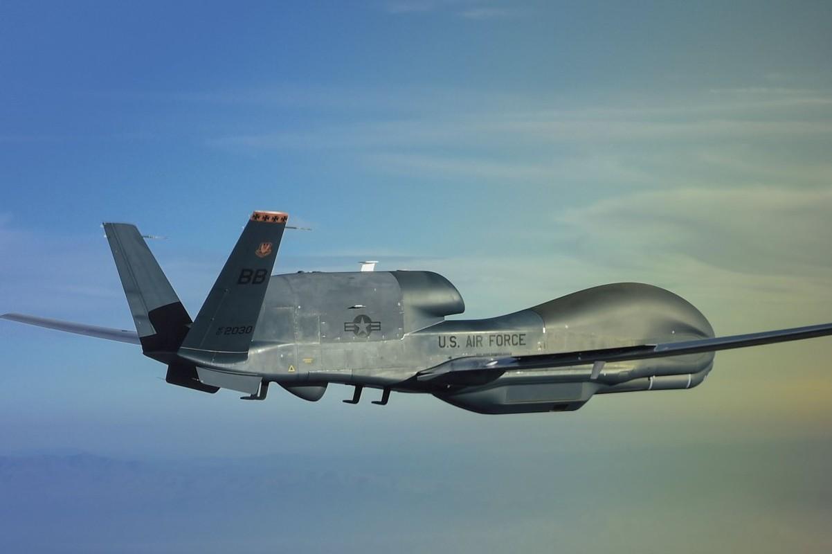 Qua lo so Trung Quoc, My loai bien som 20 UAV Global Hawk-Hinh-12
