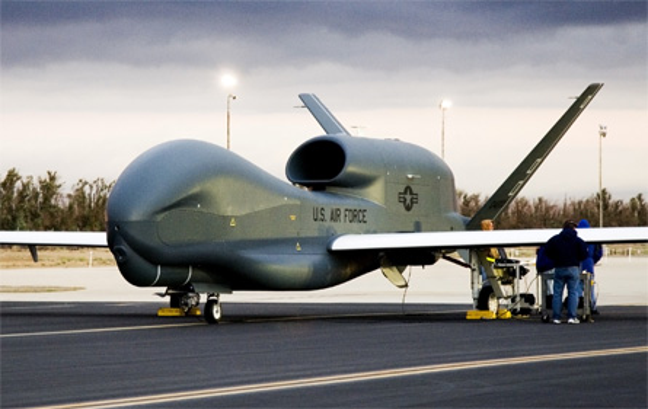 Qua lo so Trung Quoc, My loai bien som 20 UAV Global Hawk-Hinh-13