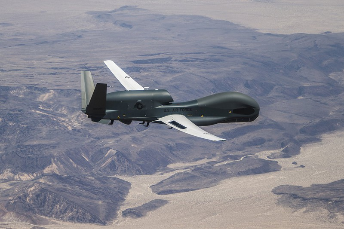 Qua lo so Trung Quoc, My loai bien som 20 UAV Global Hawk-Hinh-14