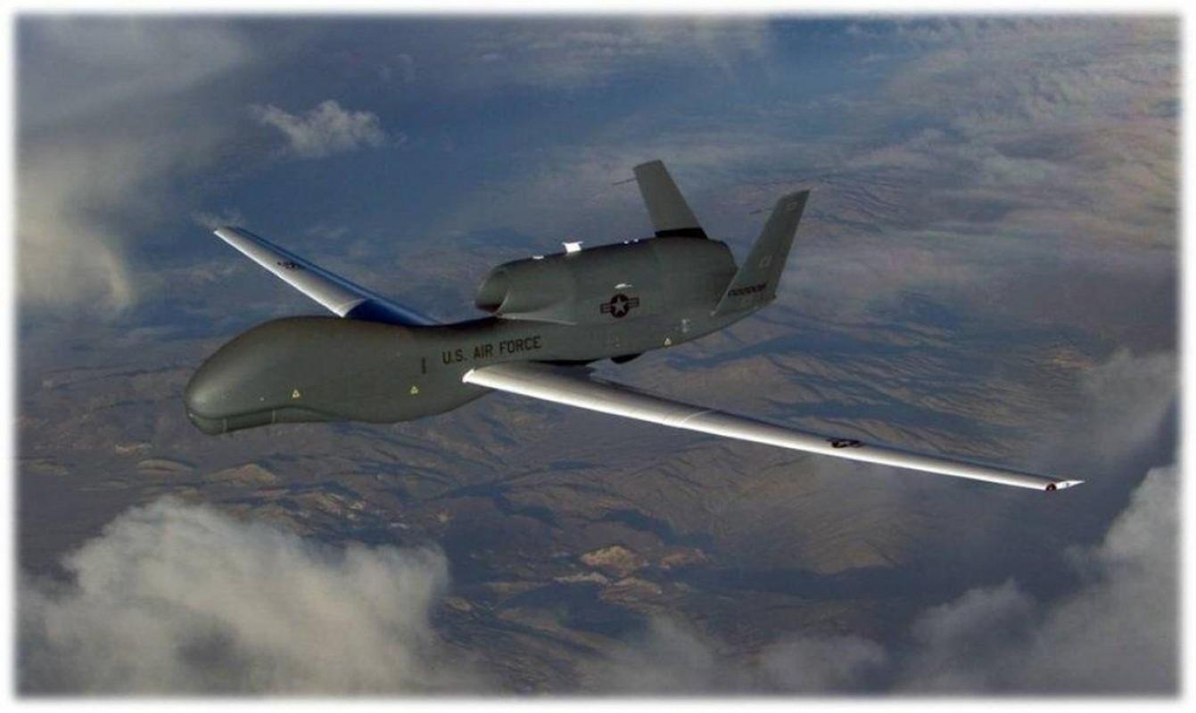 Qua lo so Trung Quoc, My loai bien som 20 UAV Global Hawk-Hinh-9
