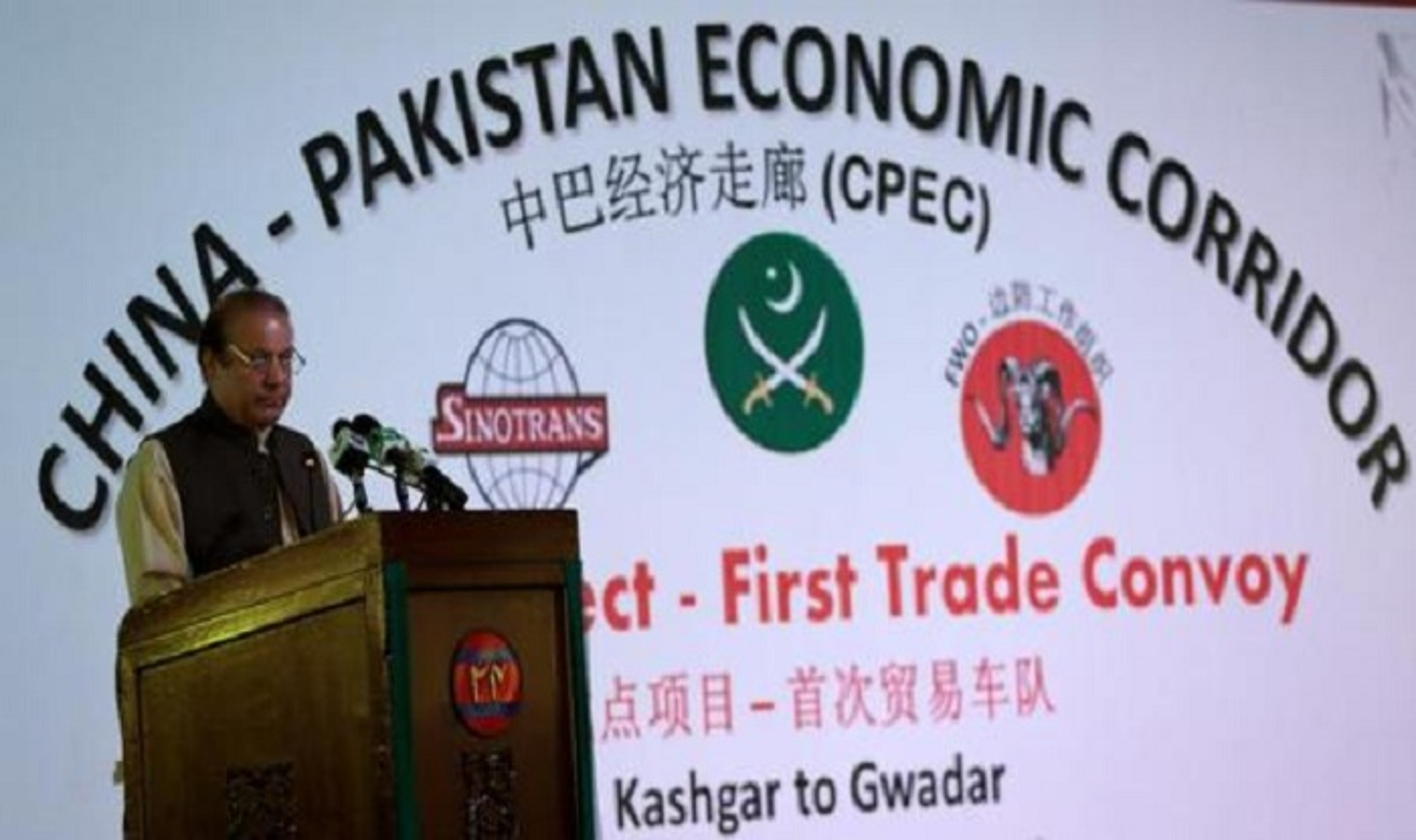 Choang: Cong nhan Trung Quoc o Pakistan mang sung AK-47 di lam!-Hinh-18