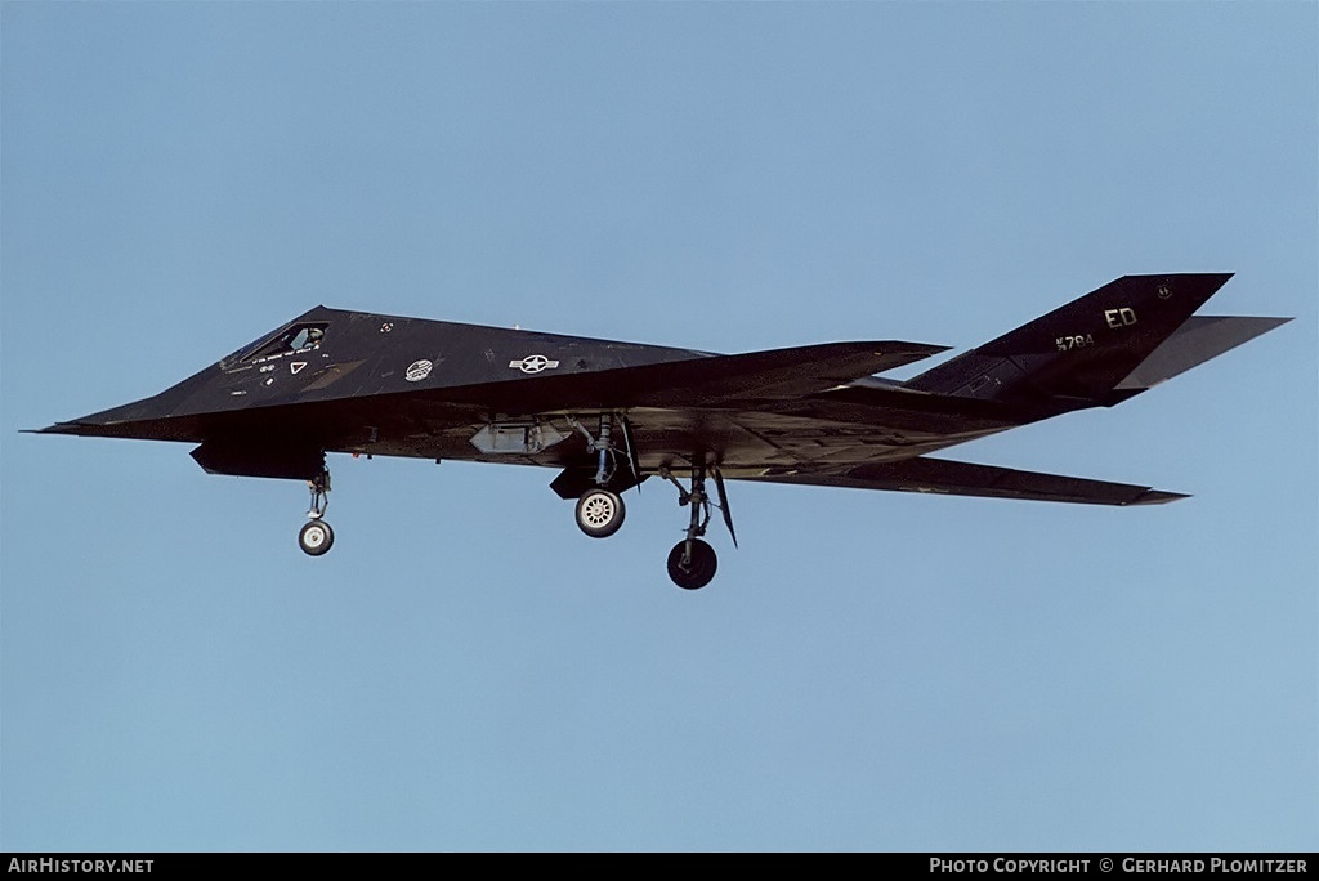 Cach quan doi My giu bi mat tuyet doi sieu co F-117A-Hinh-4