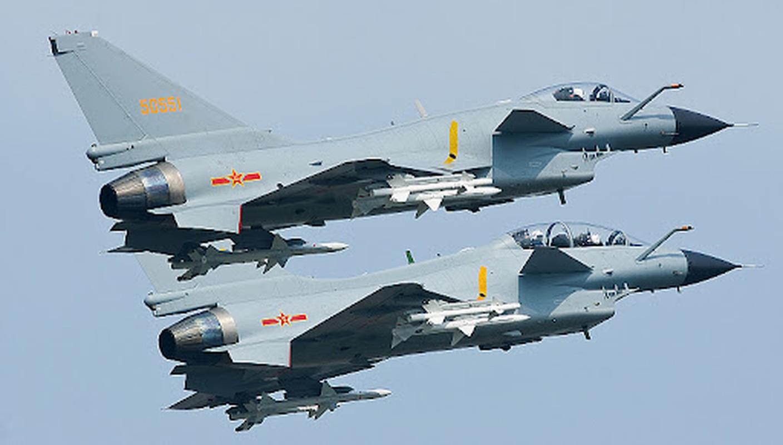 Khong quan Trung Quoc dong nhung toan may bay cu!-Hinh-14