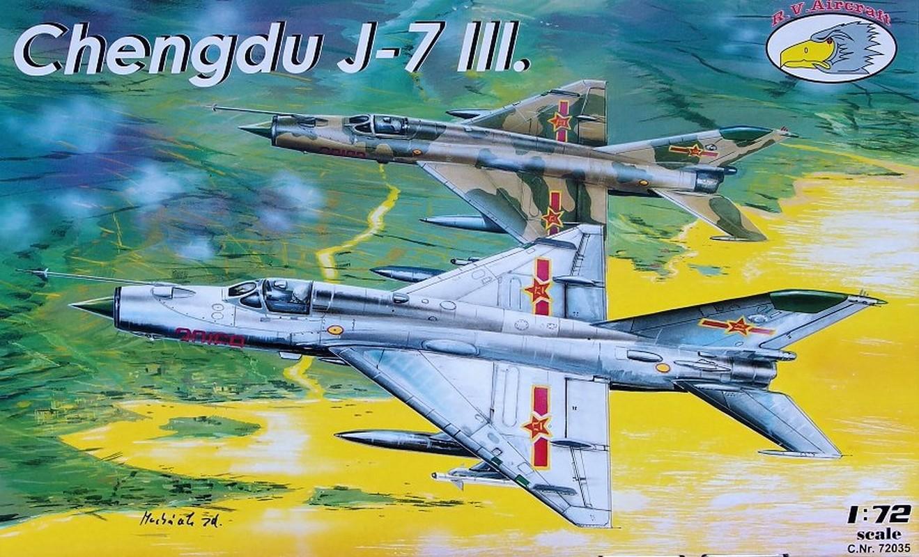 Khong quan Trung Quoc dong nhung toan may bay cu!-Hinh-8
