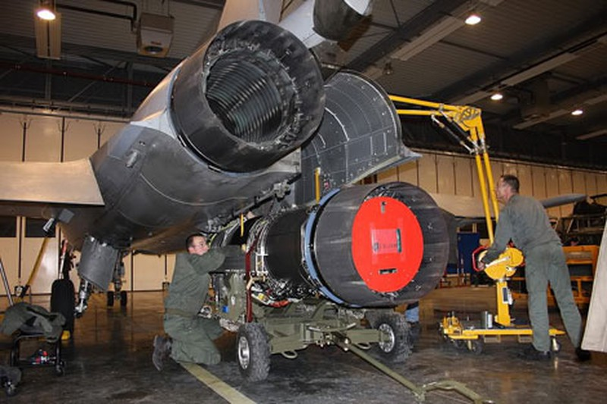 Tai sao Algeria tu choi may bay Rafale cua Phap va uu tien Su-30MKA?-Hinh-11
