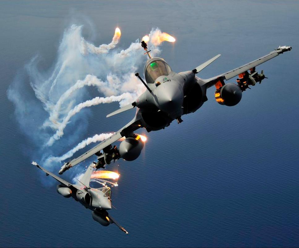 Tai sao Algeria tu choi may bay Rafale cua Phap va uu tien Su-30MKA?-Hinh-15