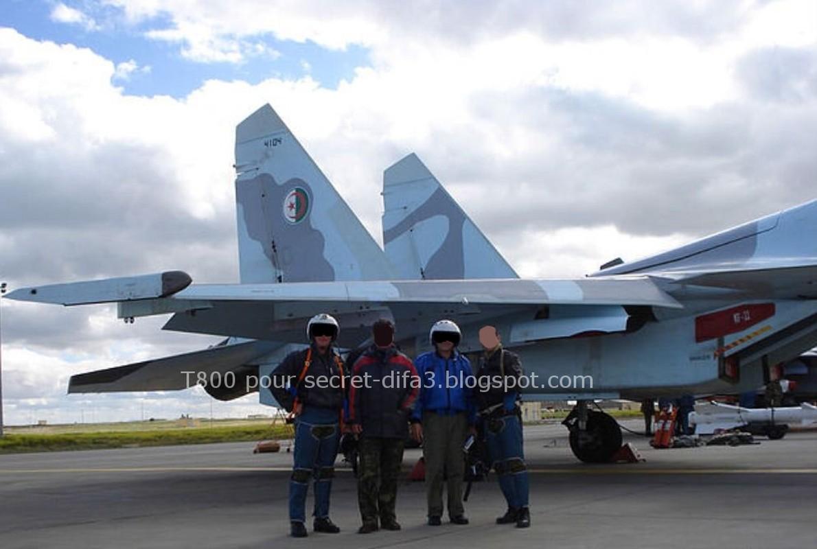 Tai sao Algeria tu choi may bay Rafale cua Phap va uu tien Su-30MKA?-Hinh-17