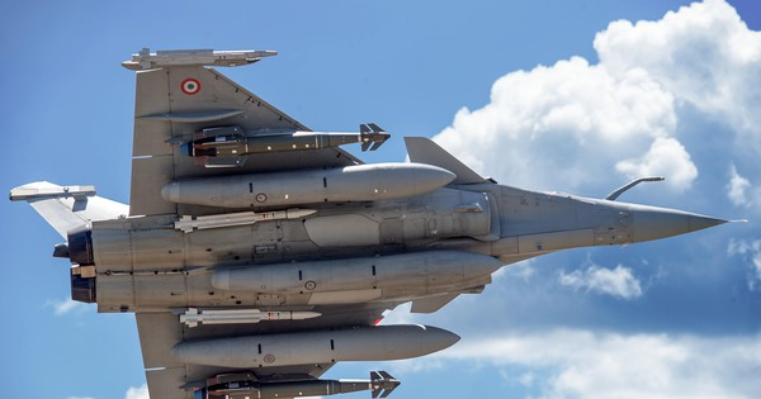 Tai sao Algeria tu choi may bay Rafale cua Phap va uu tien Su-30MKA?-Hinh-2