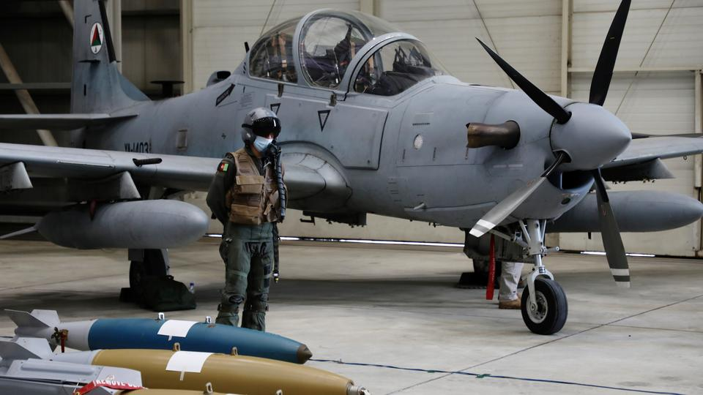 Truyen thong My: Khong quan Afghanistan dang ben bo vuc sup do-Hinh-2