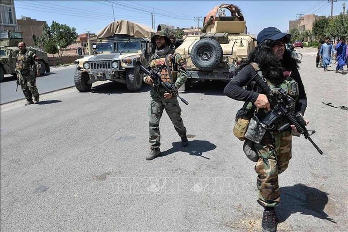 Binh dinh xong Afghanistan, Taliban duoc trang bi toan vu khi My-Hinh-18